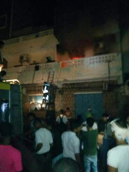 احراق مقر الاصلاح بعدن 2 - عدن نيوز