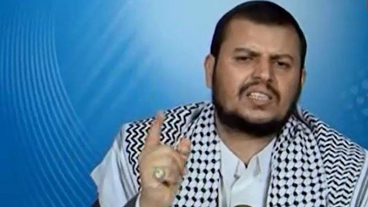 هام.. كاتب يمني يكشف معلومات خطيرة عن لقاء جمع قيادات هاشمية بزعيم مليشيا الحوثي في صنعاء.. تفاصيل