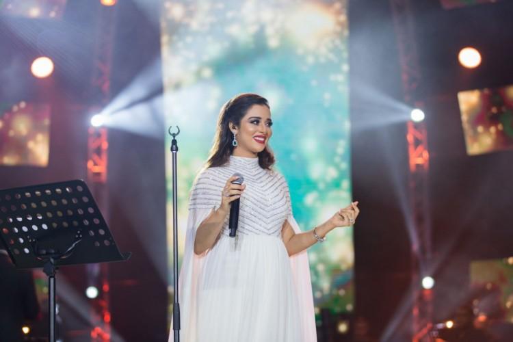 اليمنية بلقيس فتحي تحيي حفلاً فنياً كبيراً على مسرح المجاز فى الشارقة