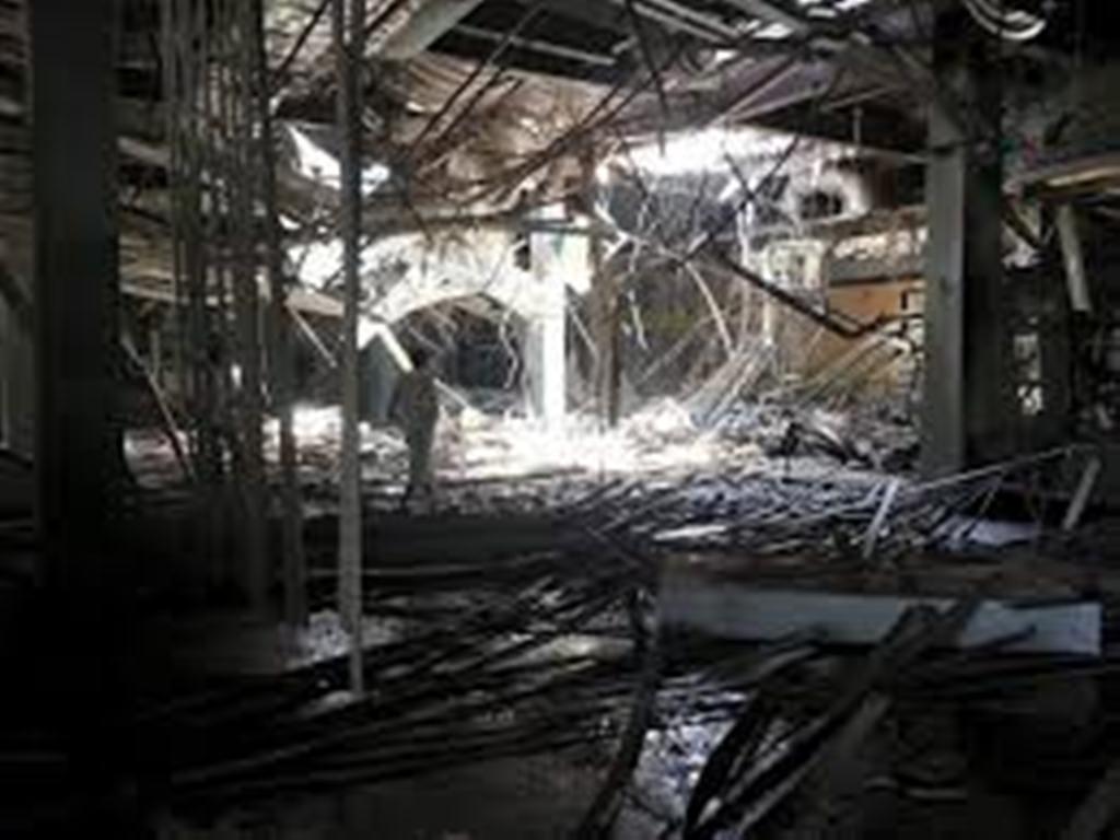 طيران التحالف العربي يشن غارات على مطار الحديدة بعد إطلاق الحوثيين لصاروخ باليستي