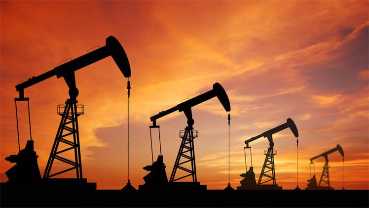 أسعار النفط تهبط إلى أدنى مستوى في شهر لهذا السبب؟!