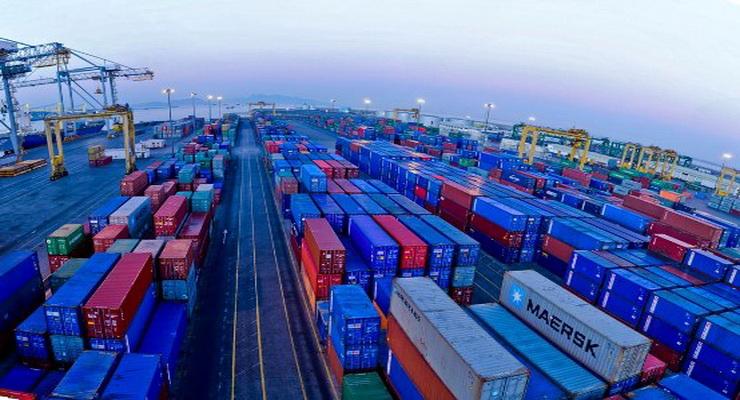حقيقة سقوط قذيفة على ميناء الحاويات في عدن