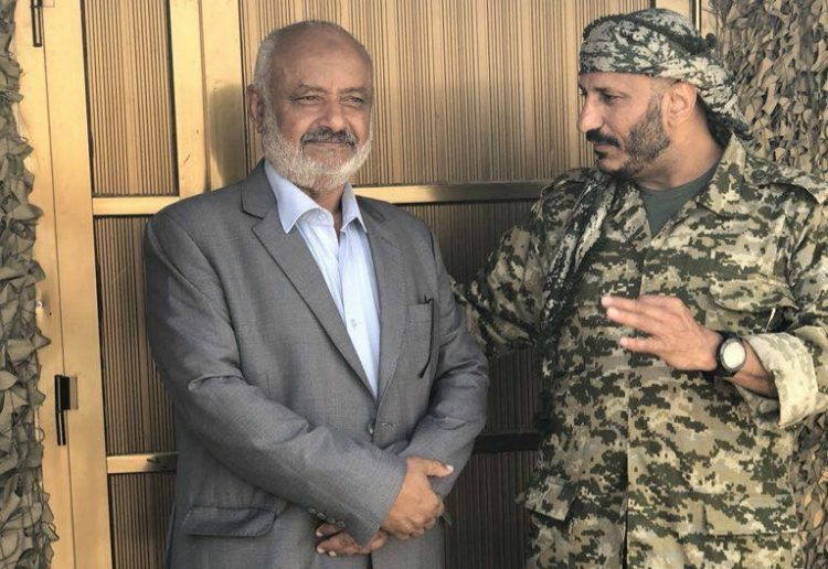 عاجل.. طارق محمد عبدالله صالح يعترف رسمياً بشرعية الرئيس هادي (صورة)