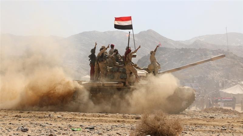 قوات الشرعية تقترب من السيطرة النارية على معقل عبدالملك الحوثي