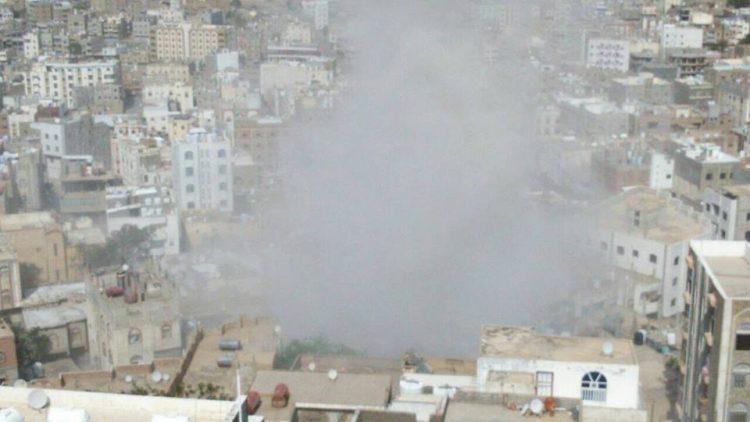 إصابة 5 مواطنين معظمهم أطفال في قصف مليشيا الحوثي الاحياء السكنية بمدينة تعز