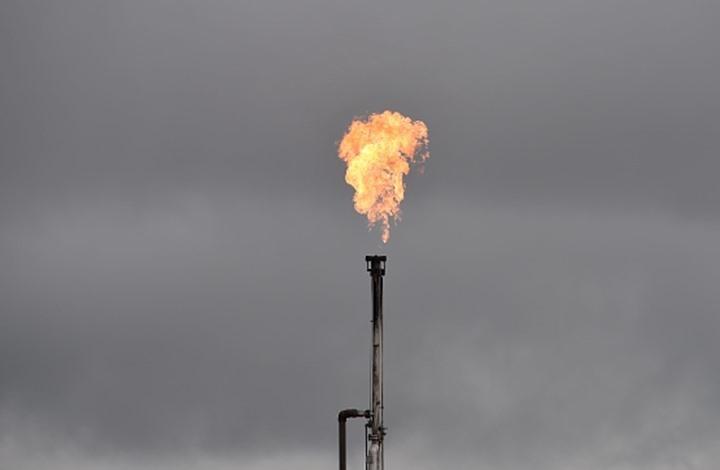 النفط يواصل الصعود واسعاره تكسر حاجز الـ75 دولارا للبرميل