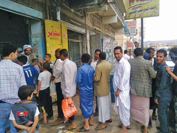 أسعار الخبز في صنعاء ترتفع  إلى حد غير مسبوق في ظل انعدام مصادر الدخل