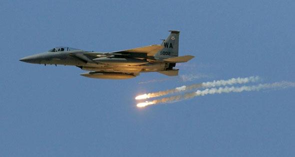 طيران التحالف العربي يشن غارات على مواقع مليشيا الحوثي في البيضاء