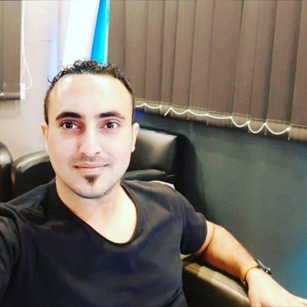 """صحفي جنوبي يشن هجوما عنيفا على مجلس """"عيدروس الزبيدي"""""""