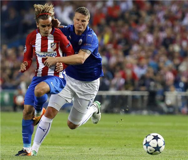 فوز صعب لأتلتيكو مدريد على ليستر سيتي في لقاء ذهاب ربع نهائي دوري الابطال