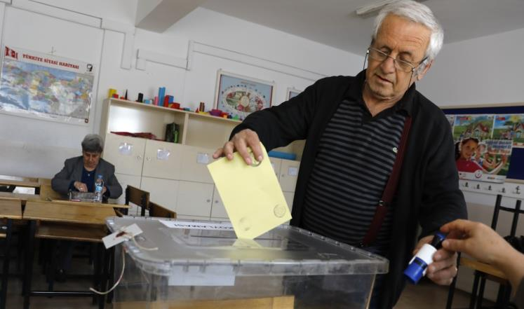 اقبال منقطع النظير على الاستفتاء في تركيا