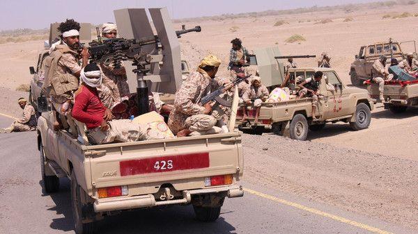 """مصدر في التحالف العربي""""عازمون على مساعدة الحكومة اليمنية حتى استعادة كل المناطق بما فيها """"ميناء الحديدة"""""""