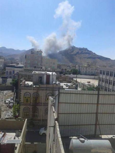 عاجل.. التحالف العربي يعاود قصف اهداف في صنعاء(صور)