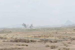 مصدر عسكري يؤكد سيطرة الجيش الوطني على  الجبال المطلة على معسكر خالد بن الوليد