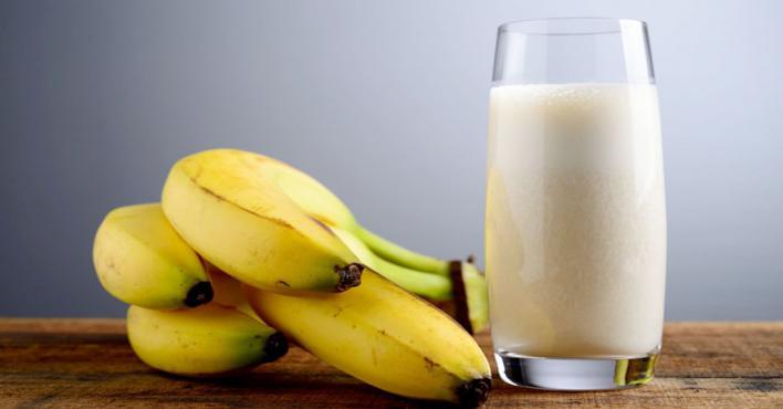 تغلب على الحموضة عند نتاول الموز والبطيخ والحليب البارد