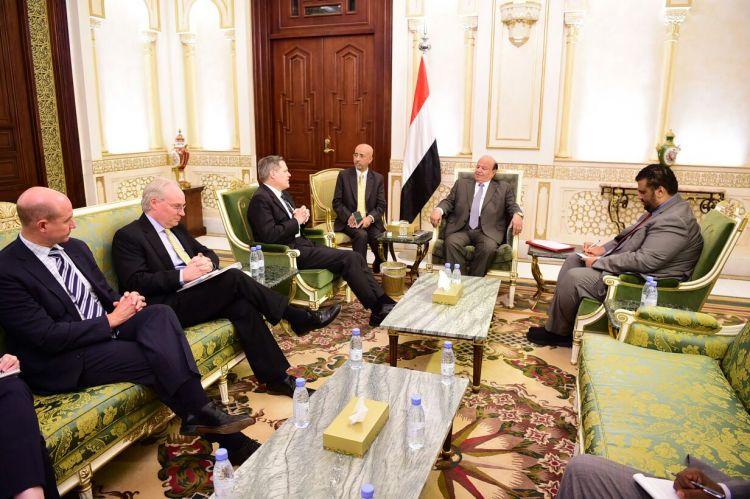 لدى لقائه برئيس الجمهورية نائب مساعد وزير الخارجية الامريكي بجدد دعم الادارة الامريكية لجهود الرئيس هادي
