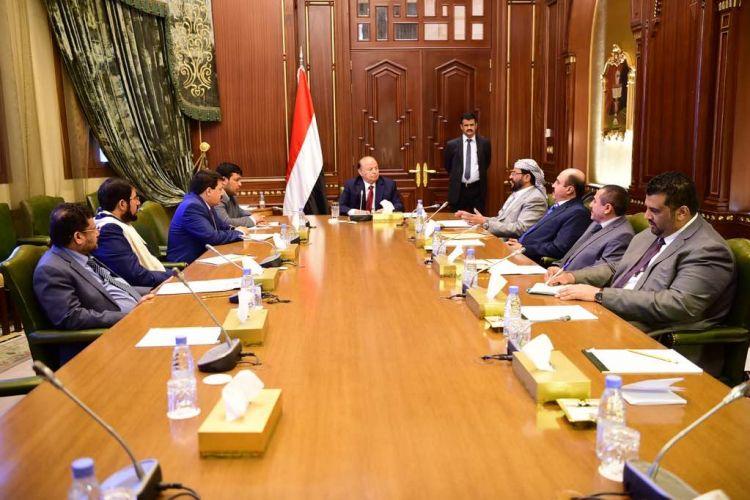 رئيس الجمهورية يوجه محافظي ست محافظات بالاستعدادات الامنية والاغاثية لما بعد التحرير
