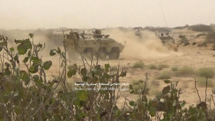 """حجة: الجيش الوطني يقترب من أحد أهم معسكرات المليشيات بعد تحرير جبل """"الإشارة"""""""