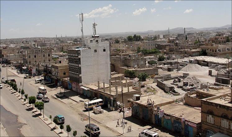 الحوثيون يحرقون مجلس عزاء ويختطفون 12 مواطنا بذمار