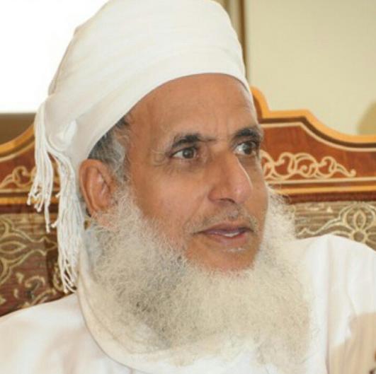 """مفتي سلطنة عمان: التعرض لأئمة الإسلام """"يؤجج الفتنة"""" وهذا رأيي في التدخلات الإيرانية والشرعية اليمينة"""