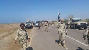 استمرار المعارك في محيط معسكر خالد بن الوليد غرب تعز والطيران يقصف العديد من المواقع