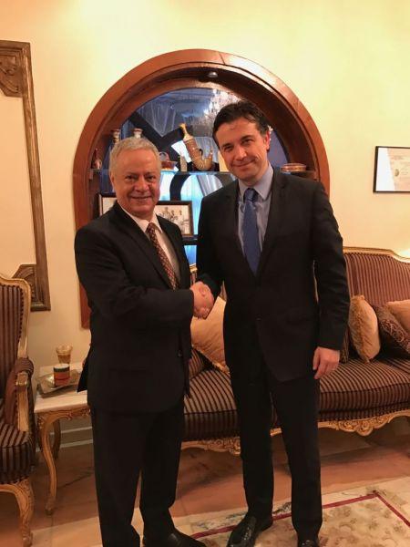 محافظ عدن الجديد يشيد بالدور التركي في دعم الكهرباء في عدن