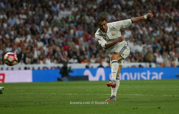 ريال مدريد يتخطى اشبيلية ويقترب كثيراً من لقب الليجا