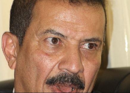 سلطة الحوثيين تحيل وزير مؤتمري لطم قيادي حوثي للمحاكمة