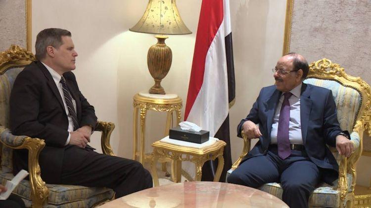الجنرال الأحمر يبحث مع السفير الأميركي مكافحة الإرهاب بعد يومين من «إعلان الرياض»