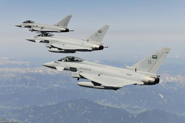 طيران التحالف العربي يشن غارات على مواقع المليشيا الانقلابية في صعدة