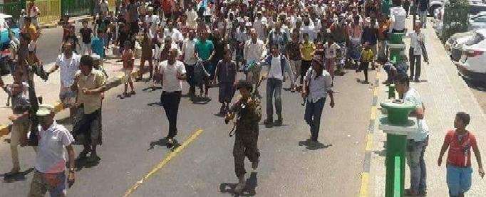 """تفاصيل جديدة عن رجال إيران في عدن.. الكشف عن شخصية """"أبو عمر"""" الغامضة"""
