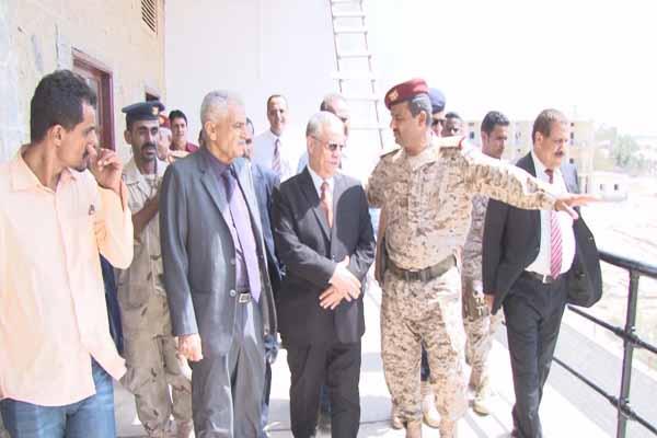 عدن: وزير الداخلية يفتتح  المجمع الرئيسي لقيادة وزارة الدفاع وهيئة رئاسة الأركان العامة