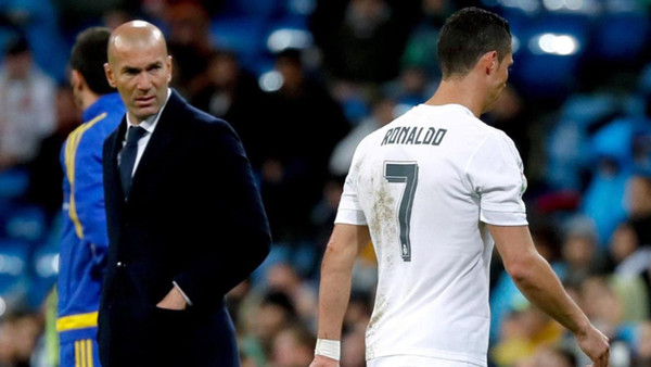 زيدان يثق في عدم تأثر كريستيانو رونالدو بأزمته قبل النهائي الأوروبي