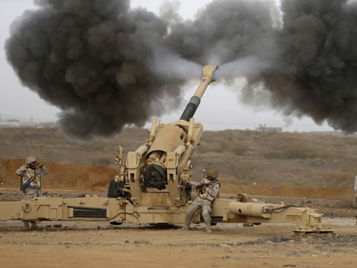 المدفعية السعودية تقصف مواقع ميليشيات الانقلاب في المناطق الحدودية