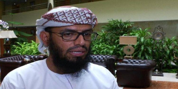 فيديو يكشف هاني بن بريك.. الداعية الذي حرض ضد الخارجين على المخلوع سابقاً، ويحرض اليوم ضد الشرعية والشماليين في عدن