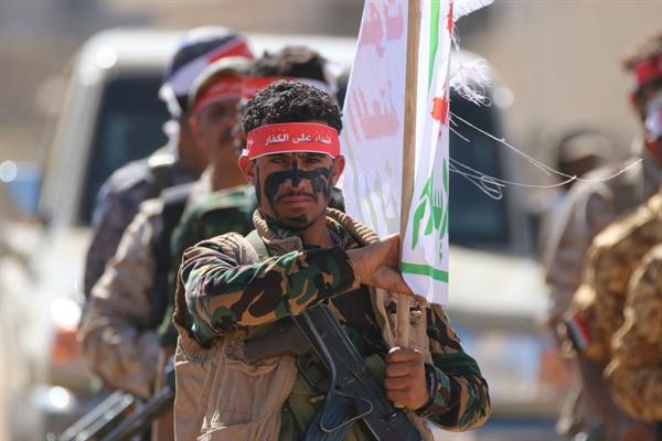 """""""إيران تغوص في حفرة القطران""""..  كيف تحولت اليمن الى مقبرة لعناصر الحرس الثوري وحزب الله"""