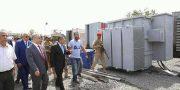 """بعد ساعات من وصولها إلى ميناء الحاويات """" رئيس الوزراء  يوجه بسرعة نقل وتركيب المولدات الكهربائية"""
