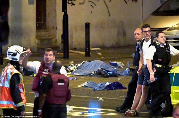 ليلة دامية على مسلمي بريطانيا .. تفاصيل هجوم الدّهس الإرهابي لمصلّين شمال لندن