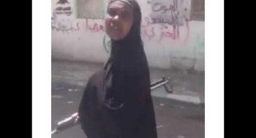 """كيف يجند الحوثيون الافارقة ويستغلونهم لممارسة الارهاب شاهد صومالية مجندة مع مليشيات الحوثي """"فيديو"""""""