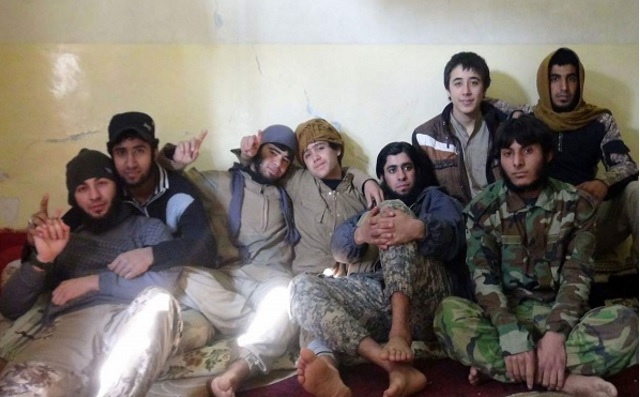 """""""وثائق ومعلومات"""" كثيرة… هذه هي الحياة السرية لمقاتلي داعش!!"""