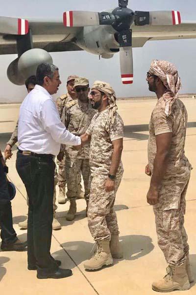 """بحاح يعود الى المكلا على طائرة """"خاصة"""" اماراتية..!!؟"""