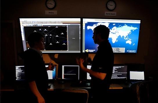 %55 يشتكون من التجسس على هواتفهم.. الإمارات من أكبر أسواق أجهزة التجسس في العالم