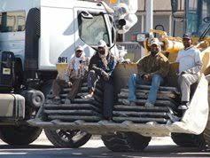 السعودية تبدأ تحصيل رسوم على المرافقين للعمالة المقيمة داخل البلاد