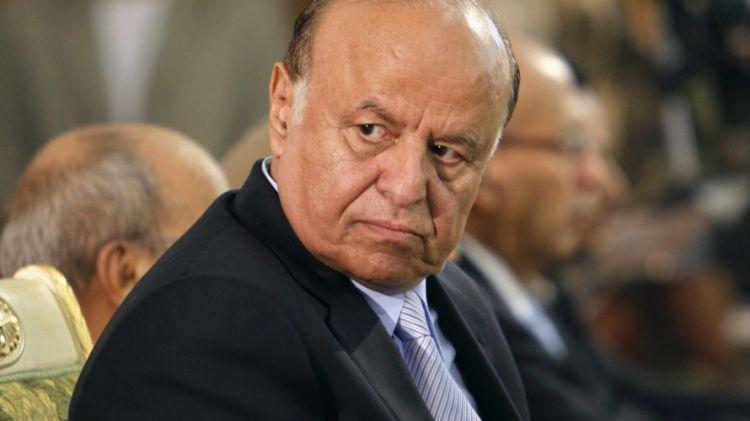 """معلومات وتفاصيل خطيرة.. موقع فرنسي يكشف عن دولة عربية تسعى للتخلص من الرئيس """"هادي"""""""