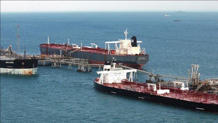 صحيفة امريكية تكشف: عن وجود ناقلات نفط إيرانية في الإمارات
