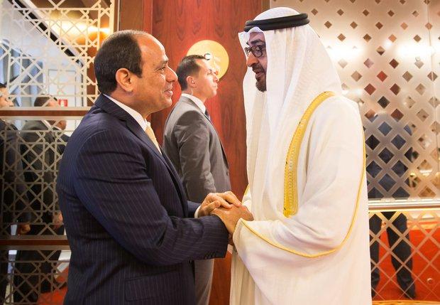 """مجلة فرنسية تكشف أخطر ما قدمته أبو ظبي لـ""""السيسي"""""""