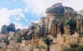 جنود يغلقون مقار حكومية في حجة بسبب عدم صرف الحوثيين لمرتباتهم