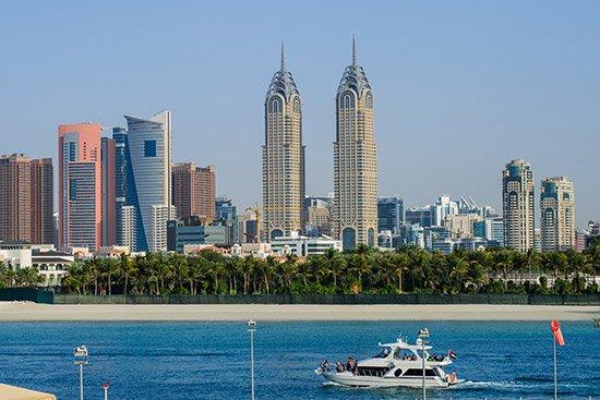الأزمة الاقتصادية في دبي تتفاقم.. سياسات خاطئة وهروب مستثمرين