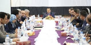 بن دغر يجدد تأكيده على حرص الحكومة احلال السلام في اليمن