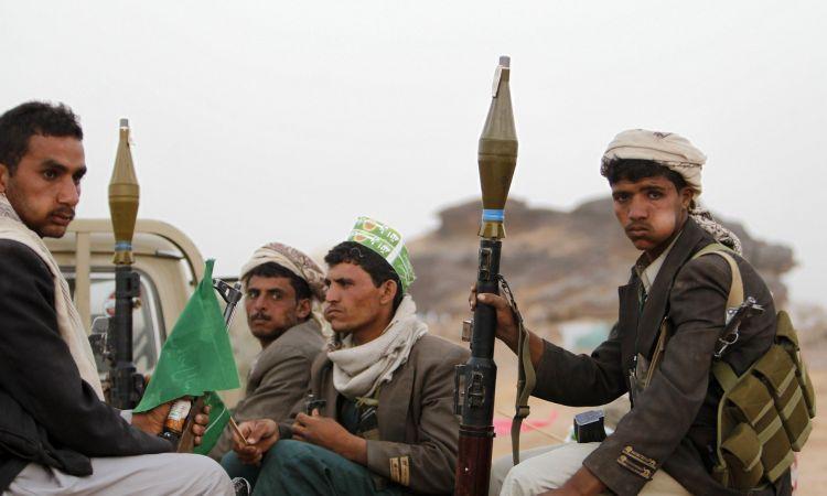 """مشرف حوثي في صعدة يفجر قنبلة يدوية ويقتل 8 من عناصره ثم يقتل نفسه """"الاسم"""""""